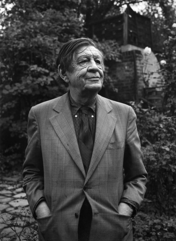 a biography of w h auden W h auden was a young, sensational english poet of the 1930s who became an elder statesman of anglo-american literature by the time he died in 1973.