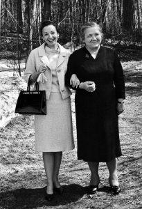 Estrellita Karsh with Nina Petrovna Khrushcheva, Moscow, 1963