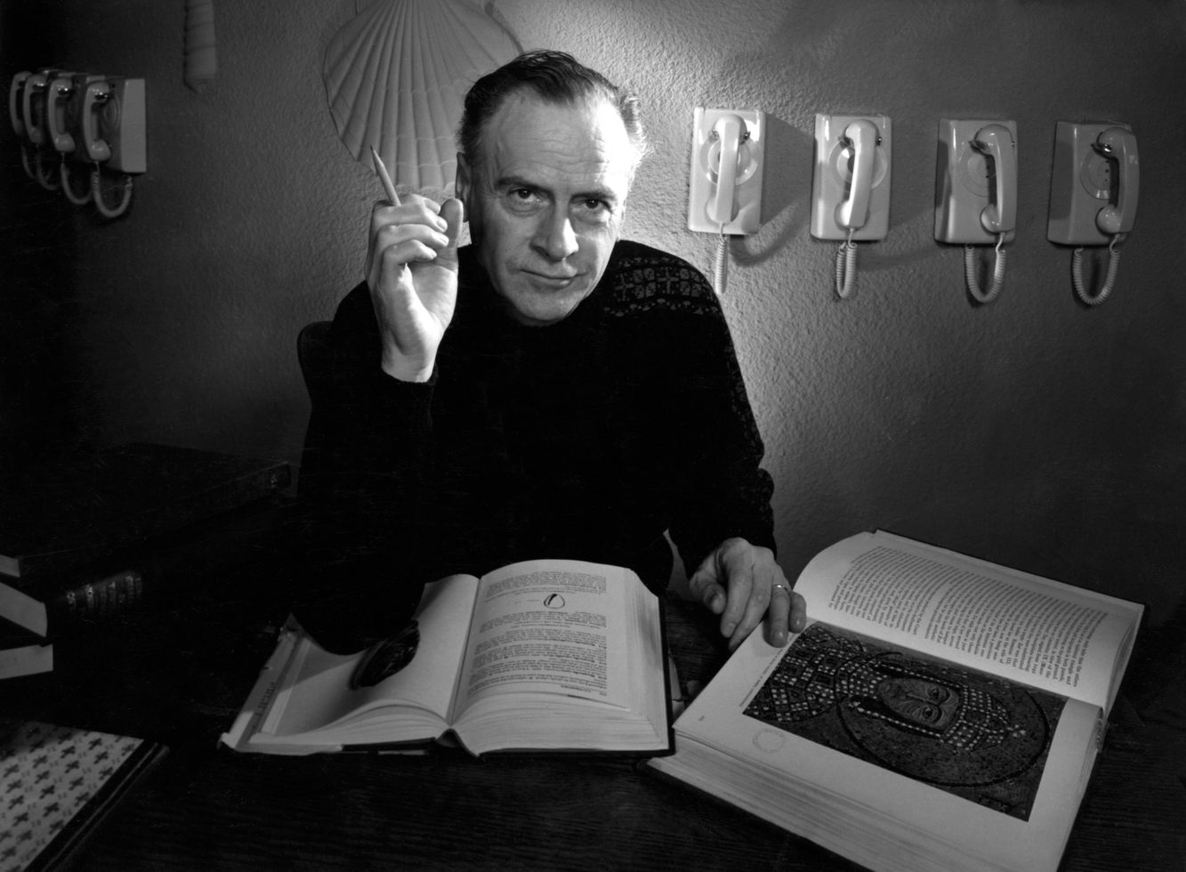 Who was Marshall McLuhan and how did he predict the internet?