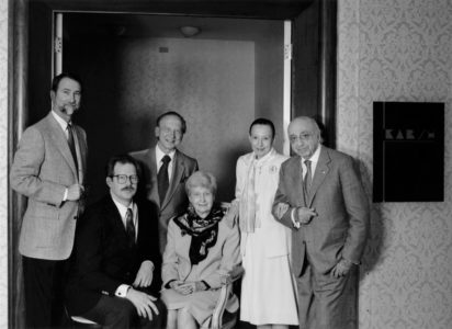 Jerry Fielder, Charles Britt, Ignas Gabalis, Mary Alderman, Estrellita and Yousuf Karsh closing the studio, June 30th, 1992. By Malak Karsh