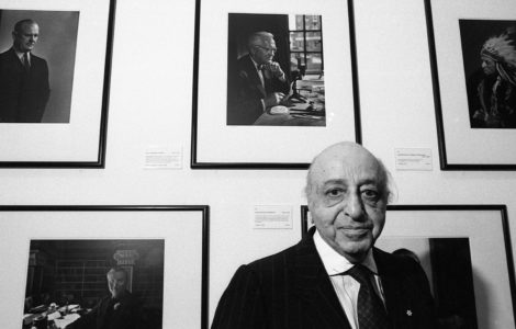 "Karsh at his exhibition at the National Portrait Gallery, London, 1991. By <a href=""https://www.philweedon.com"">Phil Weedon</a>"
